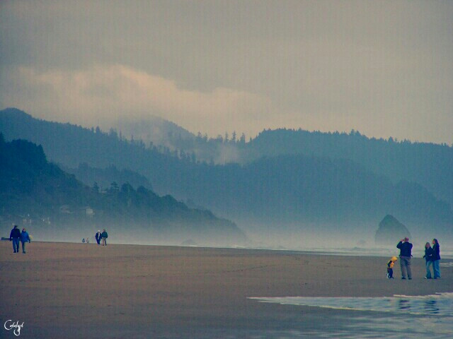 #wppnegativespace #layers #beach #colorful #people #nature #photography
