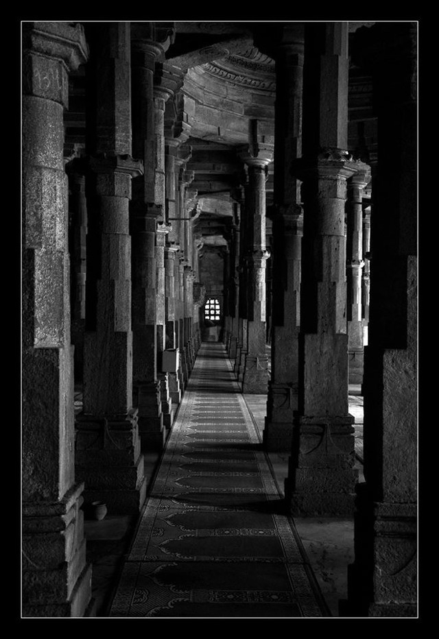 #perspective #depth #mosque #black & white #pillars #shadows #interesting #architecture