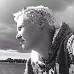 selfie me black blackandwhite